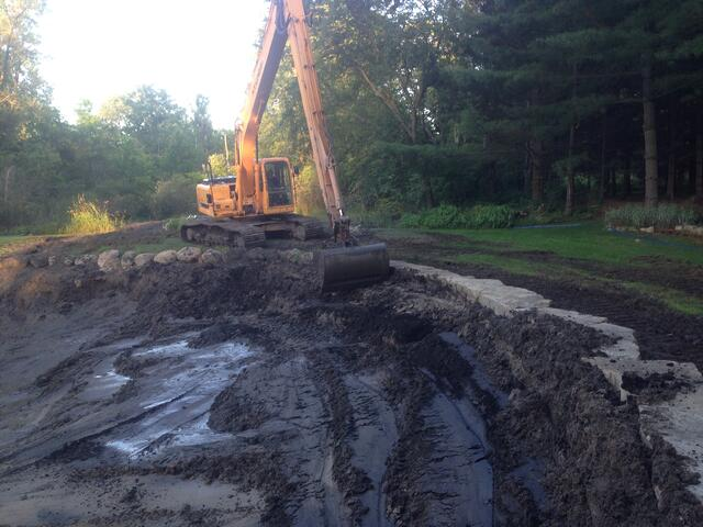 Hartland_Michigan_Pond_Longreach_excavation_19.jpg