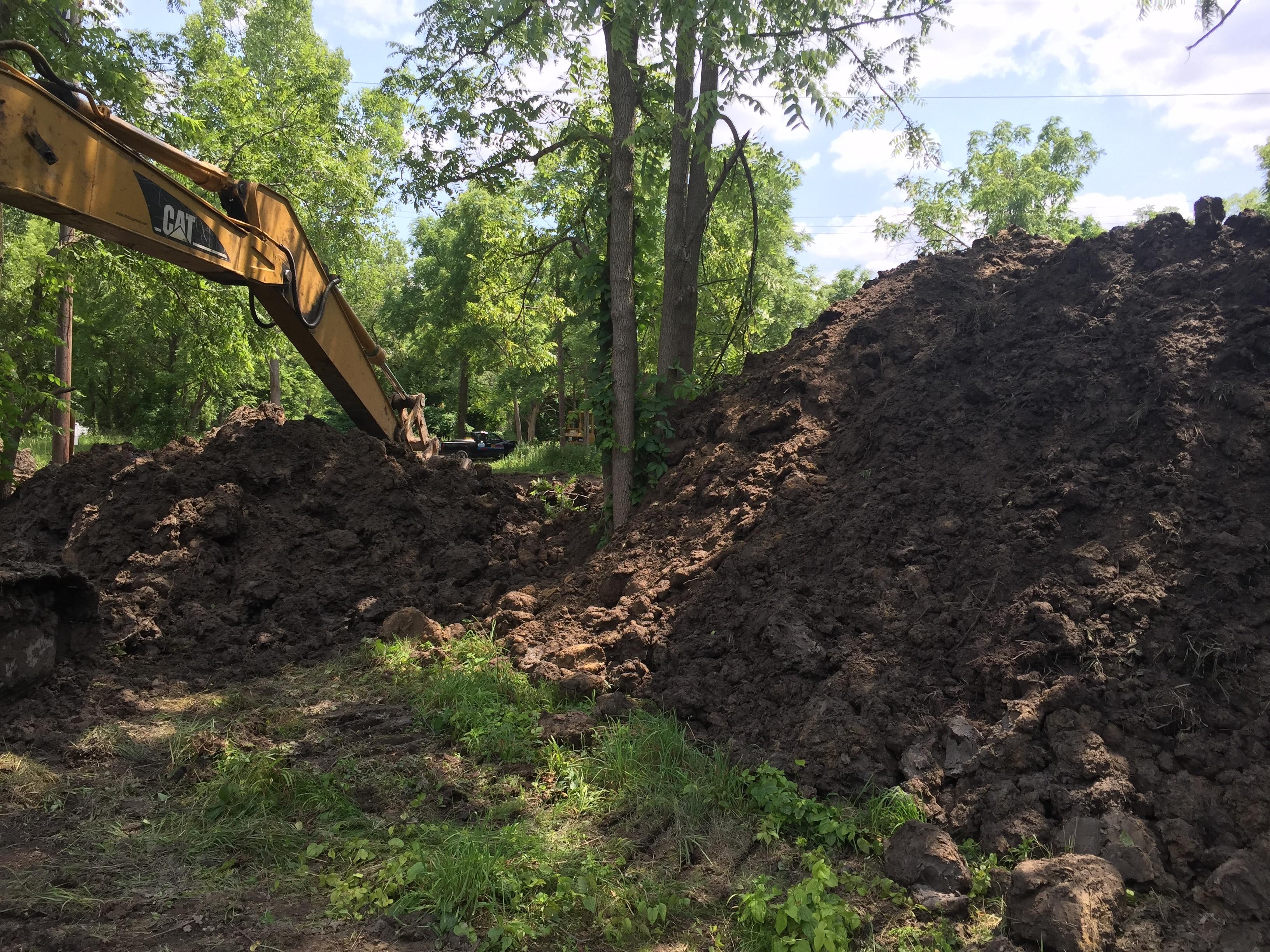 Brownstown, New pond dig (6).jpg